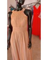 официална рокля с гол гръб в нежен коралов цвят