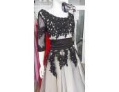 дантелена рокля с 3/4 ръкави в 3 гами и ретро дължина