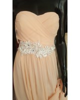 официална рокля с 2 цепки в бледа праскова