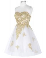 къса официална рокля със златисти орнаменти