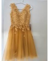 къса бална рокля с дантела в златисто