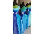 разкошна бална шаферска рокля в микс от цветове