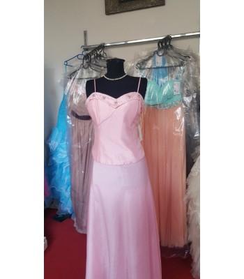вечерна рокля в нежно розово 2 в 1 оптик с шалче