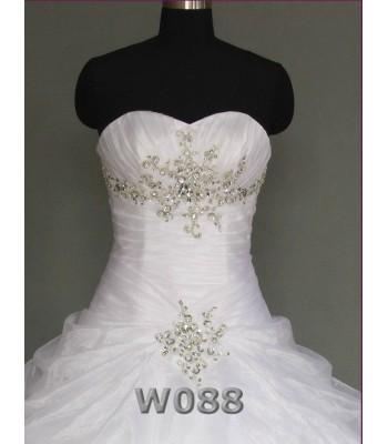 висококачествена сватбена булчинска рокля с камъни