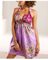 свежа пролетна рокля на цветя