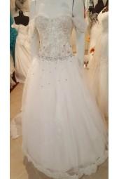 обемна сватбена рокля с корсет по поръчка