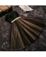 къси бални рокли с много обем и сияещо коланче в 4 гами