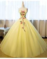 ултра обемна бална рокля декорирана с цветя