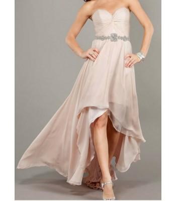 нежна бална рокля тип корсет в телесен цвят