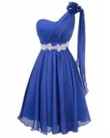 екстравагантна бутикова рокля с луксозен дизайн и едно рамо
