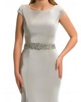 права изтънчена рокля от сатен с луксозна декорация