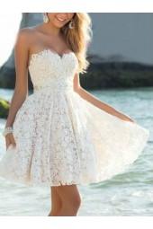 висококачествена дантелена рокля в микс от шампанско и крем 2019