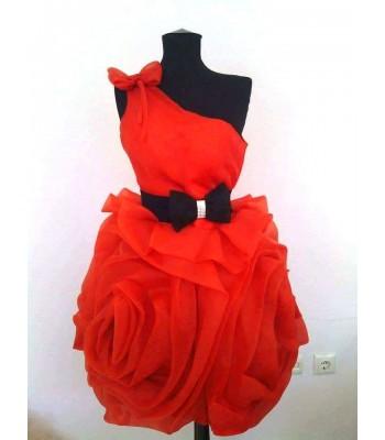 3D къса бална рокля в червено с колан панделка
