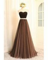 бална рокля с тюл в микс от черно и капучино