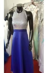 разкошна синя официална рокля с гол гръб и много блясък