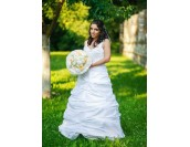 булчинска рокля по поръчка в луксозна комбинация от 3D дантела и тафта