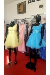 кокетни рокли в синьо и жълто с обем и едно рамо на ниски цени 2018