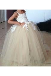шаферска сватбена рокля за момиченца с обем