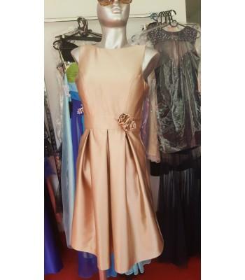 стилна сватбена бална рокля в шампанско