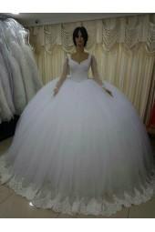 ултра обемна булчинска рокля с ръкави и дантела
