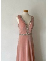 елегантна дълга рокля декорирана с кристали