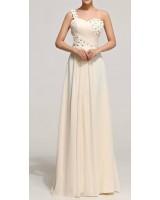 права сватбена рокля с орнаментация от цветя