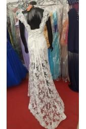 полупрозрачна рокля Палаз Стайлинг обсипана с дантела и шлейф