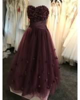 бална рокля с 3D дизайн в тъмна лила