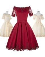 официална рокля в две гами с ретро дизайн