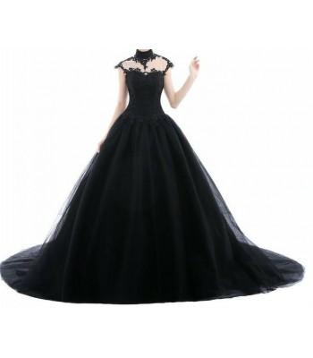 бална абитуриентска рокля в готик стил с черна дантела