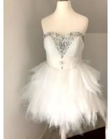 превъзходна къса рокля от тюл декорирана с диаманти