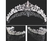 ефирна сватбена тиара с декоративни диаманти