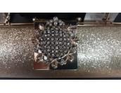 официална абитуриентска чанта в злато с луксозен метален дизайн