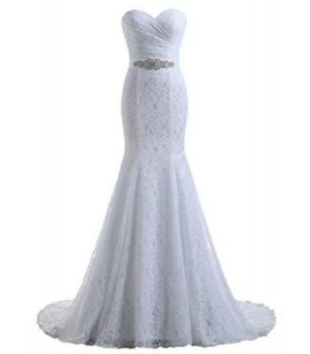 дантелена сватбена рокля със сияещо коланче
