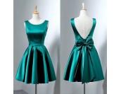 стилна сатенена рокля с гол гръб и панделка