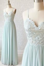 нежна абитуриентска рокля с тънки презрамки в мента