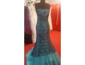 бална рокля тип русалка декорирана с дантела налична в 2 гами