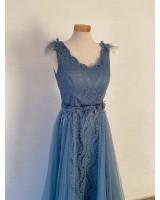 синя бална рокля с богата декорация колекция 2021