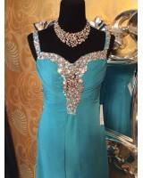 абитуриентска рокля в тюркоаз обсипана с кристали и шлейф
