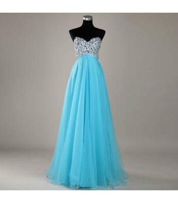 богато орнаментирана рокля в 3 гами
