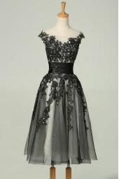 строго официална рокля с тюл и черна дантела