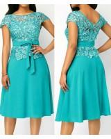 официална рокля с брюкселска дантела и брошка в 2 гами