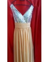 официална разкроена рокля в шампанско с богата декорация