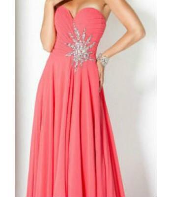 бална абитуриентска рокля с деко камъни без презрамки