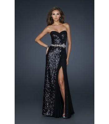 черна бална рокля обсипана с паети