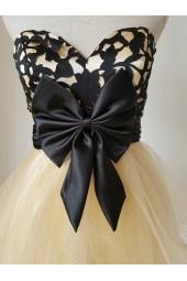 екстравагантна официална рокля с голяма пандела