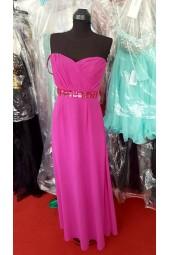 цикламена вечерна рокля с красиви кристали