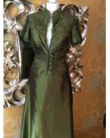 луксозен костюм майка на булката или кума