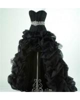 асиметрична бална рокля с креативен дизайн