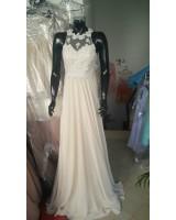 елегантна дълга рокля декорирана с дантела по поръчка
